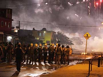 Clashes Near Sao Paulo Airport 27 Days from World Cup