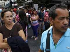Venezuela Blackout Leaves Commuters Scrambling, Silences President