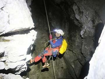 Injured Caver Conscious; Rescue May Yet Take Days