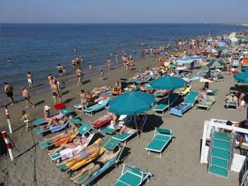 Italy's Beaches: Open for Business But Closed to Competition