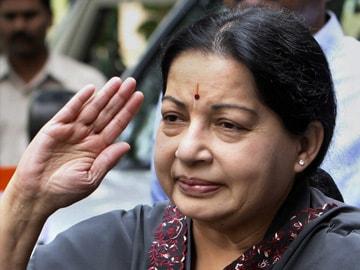 Ensure English is Used on Social Media, Jayalalithaa Writes to PM Modi: Full Text of Letter