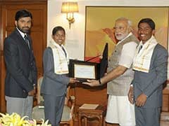 Narendra Modi Congratulates Two Youngsters for Climbing Mount Everest