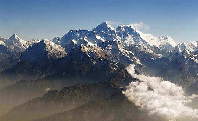 First Climbers Summit Mount Everest After Deadly Disasters