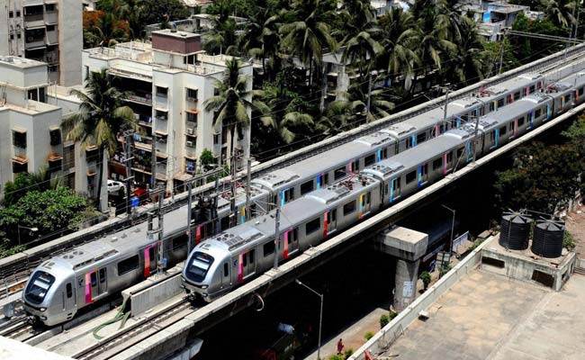 Technical Snag Hits Mumbai Metro on Day One