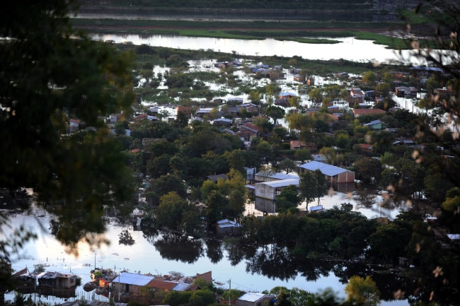 Flooding in Paraguay Sends Thousands Fleeing to Shelters