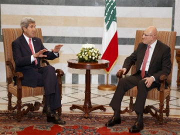US Secretary of State John Kerry in Lebanon to Show Support