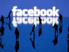 Facebook Broke. Here Are Five Status Updates We Didn't Miss Not Seeing