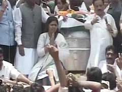 For Gopinath Munde's Funeral, a Sea of People in Beed