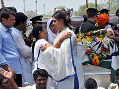 Gopinath Munde Cremated With Full State Honours in Beed