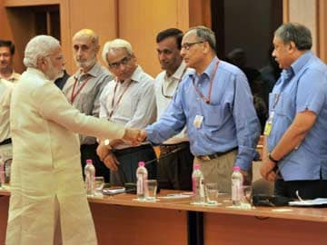PM Narendra Modi Meets Top Bureaucrats, Asks Them to Make Government People-Friendly