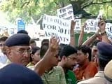 Civil Service Aspirants Protest Outside Home Minister Rajnath Singh's House
