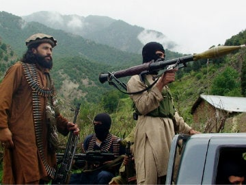 Fighters Kill Pakistani Soldiers Near Afghanistan Border