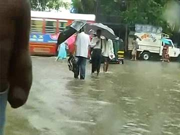 Mumbai: Rain Disrupts Normal Life, Water-Logging in Several Areas