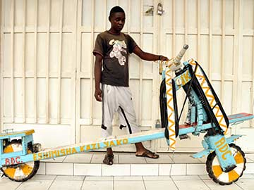 Tshukudu, the All-Purpose Transport Scooter is Congo's Lifeline