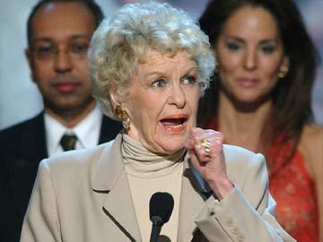 Elaine Stritch, Brash Stage Legend, Dies at 89