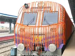 Train to Katra Stuck in Tunnel Due to Engine Failure