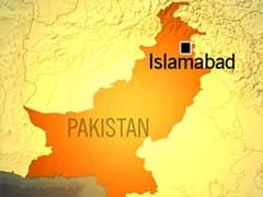 Passenger Bus Crash Kills 16 in Pakistan