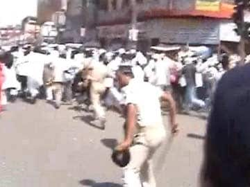 Police Lathicharge Protesting Contractual Teachers in Patna
