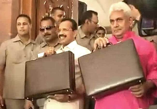 Rail Budget 2014: Minister Sadananda Gowda promises To Take Politics Out Of Railways