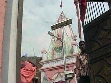 Tension in Moradabad as VHP Leader Plans Puja at Temple Caught in a Dispute