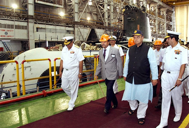 Arun Jaitley Sets One-Year Deadline for Scorpene Submarine Launch