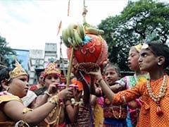Thane: Minister Jitendra Awhad Breaks Dahi Handi to Disprove His Critics
