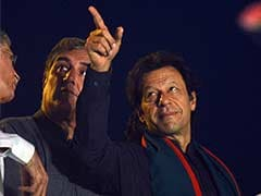 Imran's Look-Alike Big Draw at 'Azadi March'