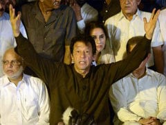 Imran Khan Calls for 'Civil Disobedience Movement' in Pakistan to Oust PM Nawaz Sharif