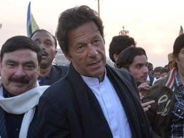 Pakistani Court Bars Imran Khan, Tahir-ul-Qadri, from Holding March