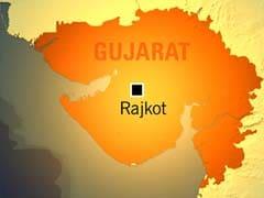 Women Constables Tie Rakhis to Traffic Violators in Rajkot