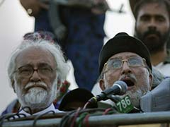 Pakistan Crisis Deepens, Cleric Tahir-ul-Qadri Issues 48-hour Ultimatum to Government