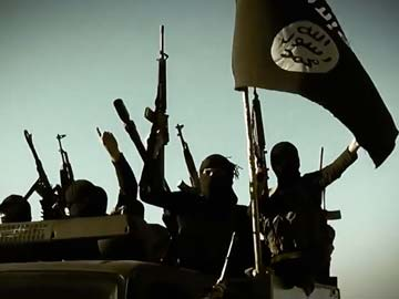 Jihadists Seize Last Syrian Army Base in Raqa