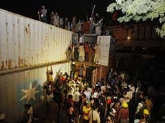 Protesters March to Pakistan PM's House; 300 Injured in Overnight Clashes: 10 Latest Developments