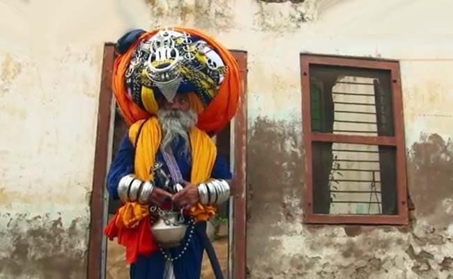Meet The Indian Turbanator: He Wears The World's Largest Turban