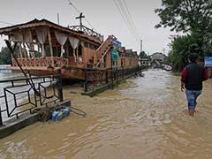 मूसलाधार बारिश के कारण कश्मीर में बाढ़ की चेतावनी जारी, झेलम समेत कई नदियां उफान पर
