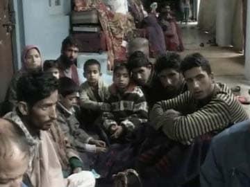 Kashmir Floods: Fleeing Srinagar Residents Take Refuge in Camps