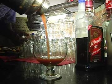 As Deadline for Kerala Bars Nears, Owners Hope for Reprieve from Supreme Court