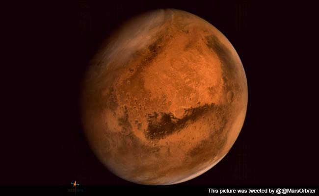 Mars Orbiter Sends Pictures of Dust Storm Activities on the Red Planet