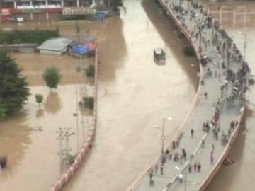 Kashmir Floods: PM Narendra Modi Asks Officials To Ramp Up Relief Operations