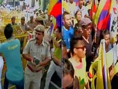 Tibetans Protest in Delhi Against Chinese President's Visit