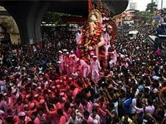 Mumbai Bids Emotional Adieu to Favourite God on Ganesh Visarjan