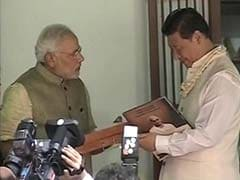 Narendra Modi Gifts Copy of Gita in Chinese to Xi Jinping at Sabarmati Ashram