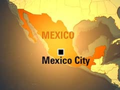 Mexico Airlifts Tourists Stranded by Hurricane
