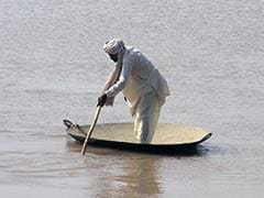 Pakistan Diverts Rivers to Save Cities From Floods