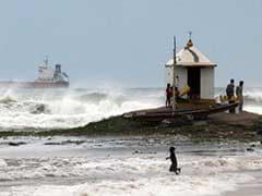 As Cyclone Hudhud Picks Up Speed, Thousands Evacuated in Andhra Pradesh