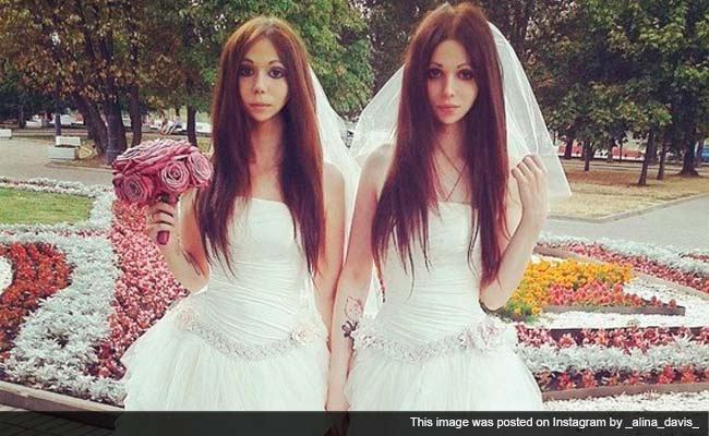 'Bride' Weds Bride in Russia's First Ever Androgyne Wedding