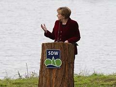 Europe Won't Recognise Vote in Eastern Ukraine, Angela Merkel Tells Vladimir Putin