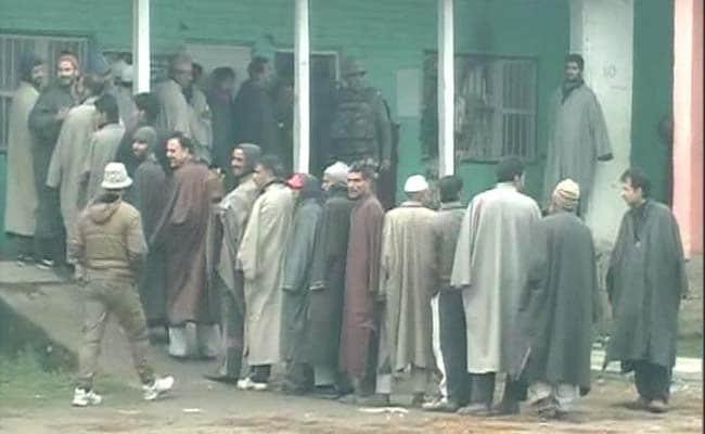 Brisk Voter Turnout in Jammu and Kashmir; Jharkhand Votes Under High Security