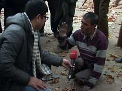 In Kashmir, He Crawled a Kilometre to Vote