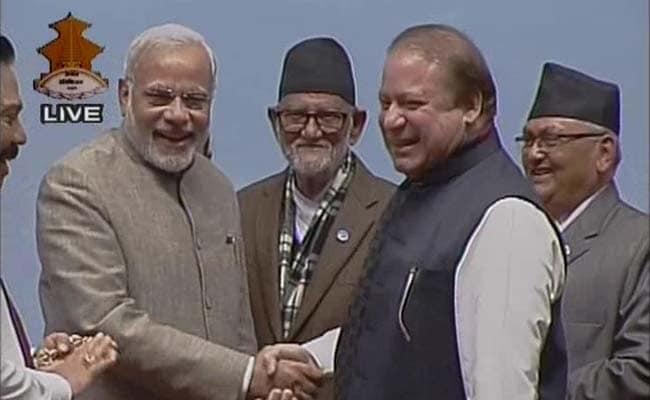 PM Modi, Nawaz Sharif Shake Hands to Big Applause at SAARC: 10 Developments
